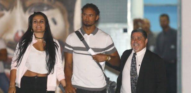 Ex goleiro Bruno é colocado em liberdade