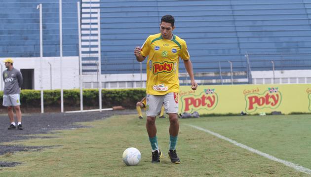 Atlético acerta com volante para o Brasileirão