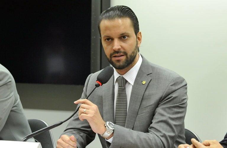 Ministro Baldy entrega mais de R$12 milhões em recursos para municípios goianos