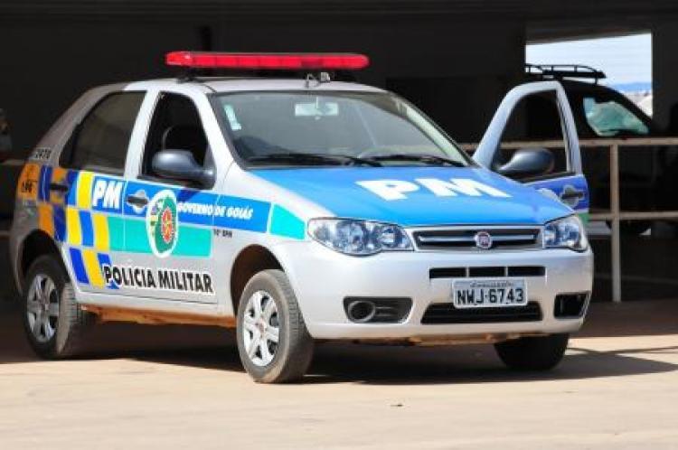 Polícia apreende drogas e recupera motocicleta roubada em Itaberaí