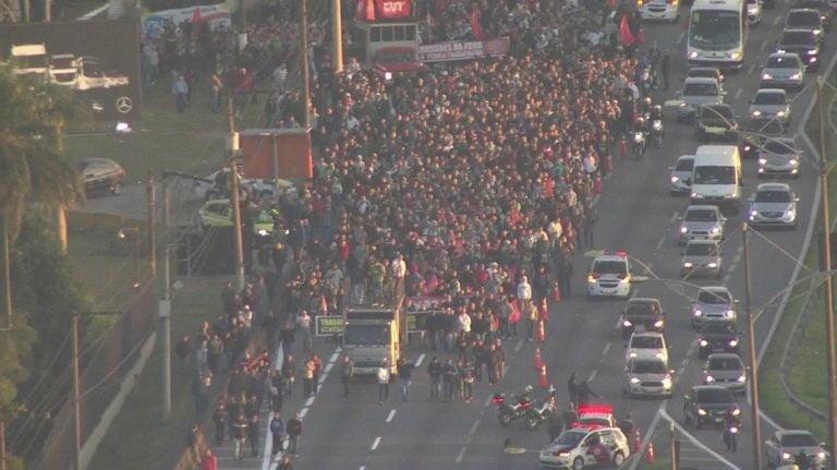 Metalúrgicos protestam contra a reforma trabalhista em São Paulo