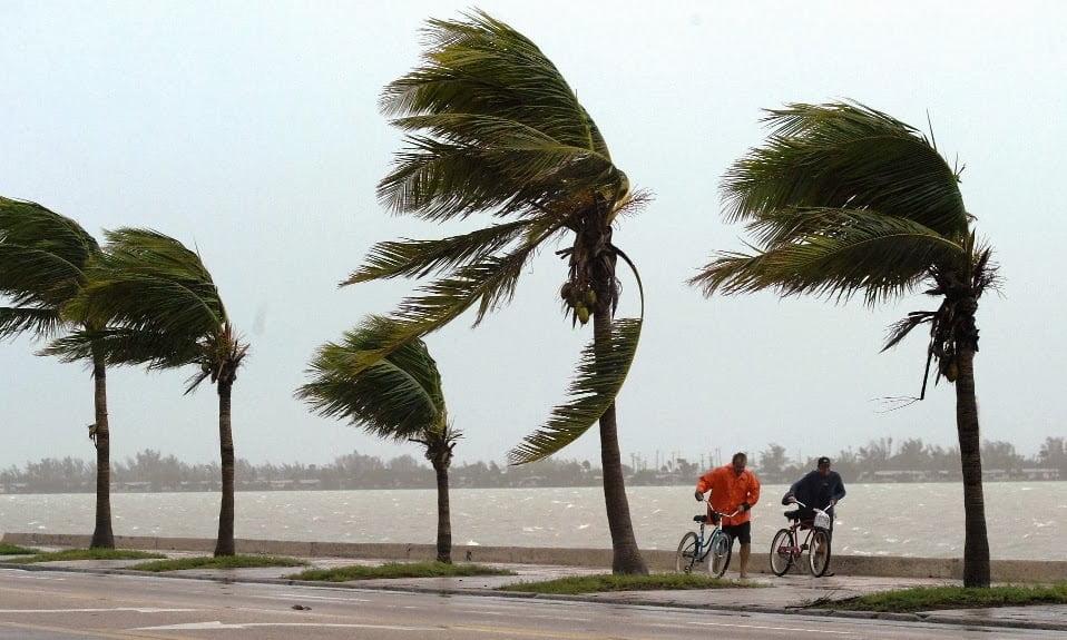 Furacão Irma segue para Flórida a 260 km/h