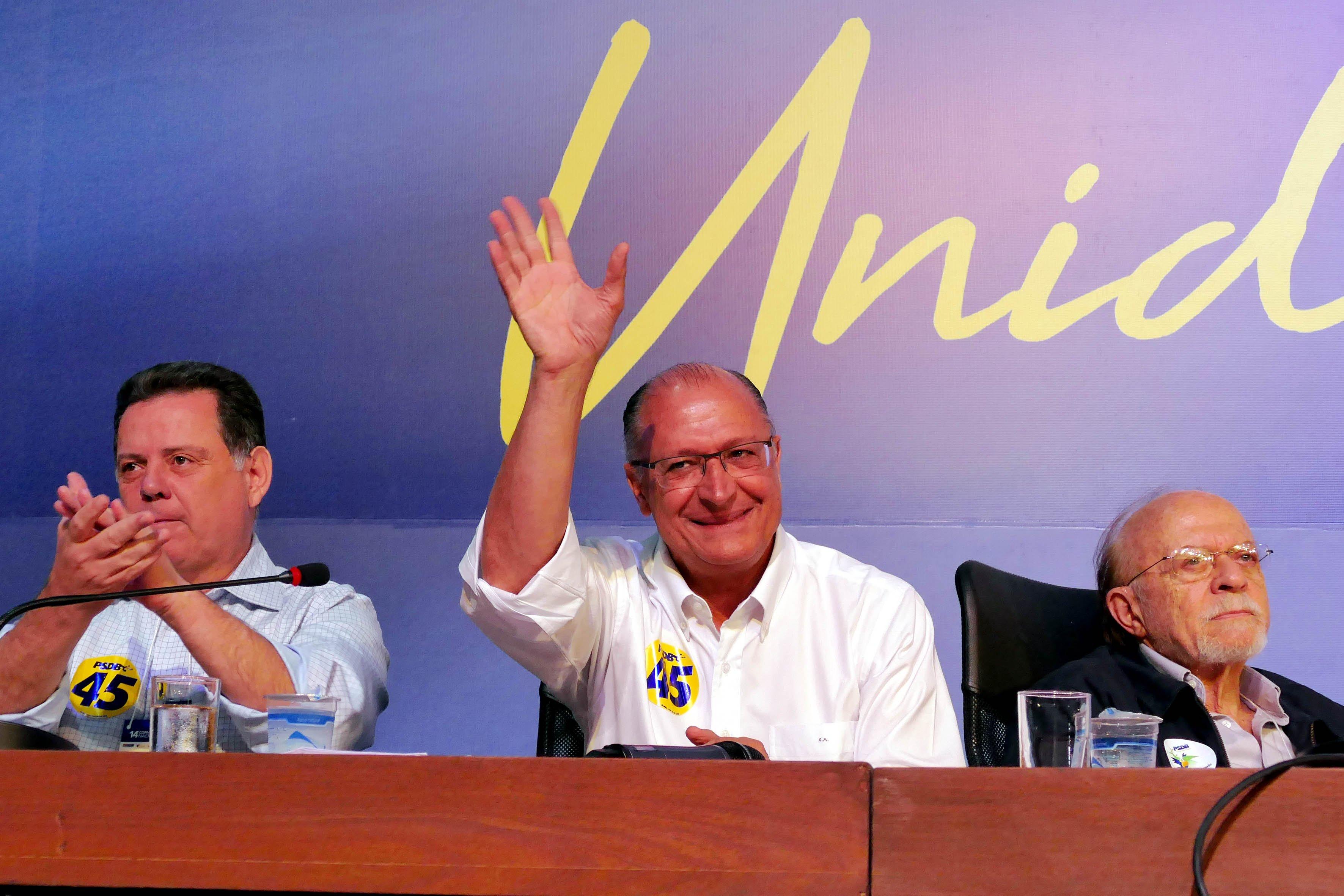 Os tucanos Alberto Goldman e Marconi Perillo com o novo presidente nacional do PSDB Geraldo Alkmin