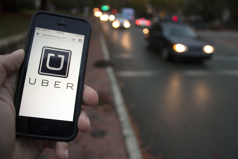 Uber passa a cobrar de usuário que deixar motorista esperando