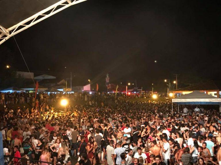 Foliões agitam a cidade de Goiás nos quatro dias de carnaval