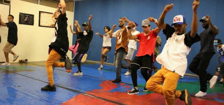 Grupo de danças urbanas desenvolve aulas no espaço Sonhus