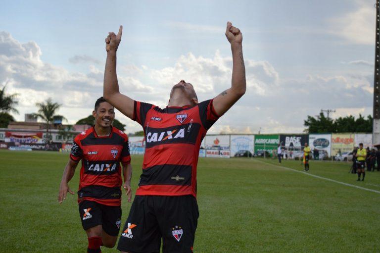 Atlético vence o Goiás e briga pela classificação