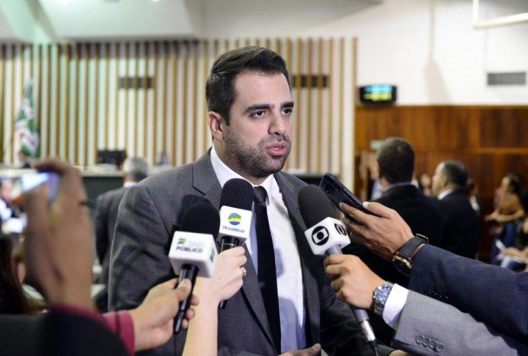 Parlamentares procuram legendas para se elegerem com menos votos