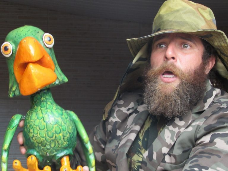 Teatro de bonecos trata questões ambientais em Goiânia