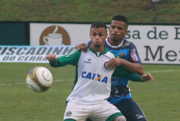 Goiás e Aparecidense terminam empatados por conta de dificuldades causadas pela chuva