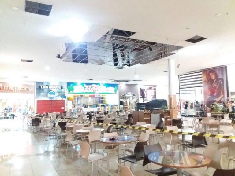 Parte da cobertura de shopping desaba em Rio Verde