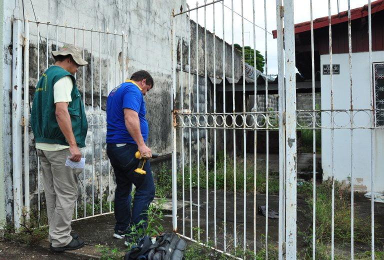 Prefeitura de Goiânia vistoria imóveis abandonados para combater mosquito Aedes
