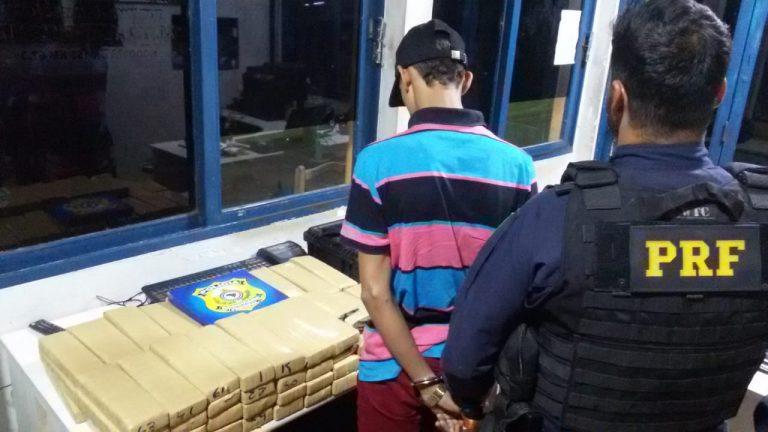 Jovem de 17 anos é apreendido com 68 tabletes de maconha na BR-153, em Porangatu