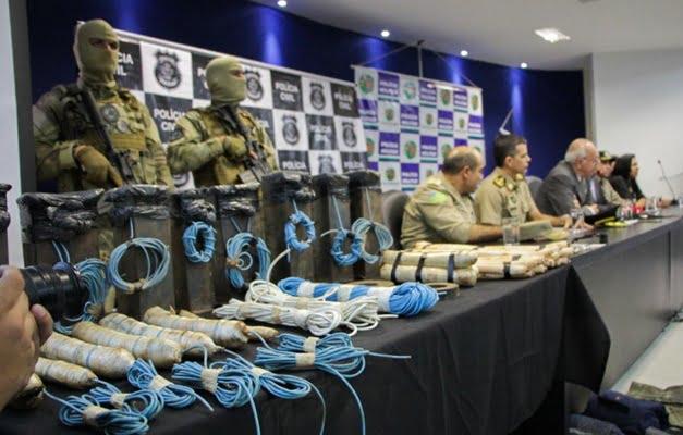 José Eliton anuncia prisão de quadrilha, 24 horas após roubos