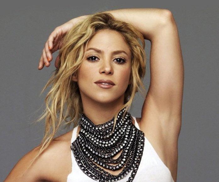 Shakira anuncia shows no Brasil