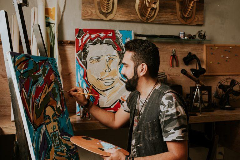 Artista plástico goiano fará exposição de arte gratuita