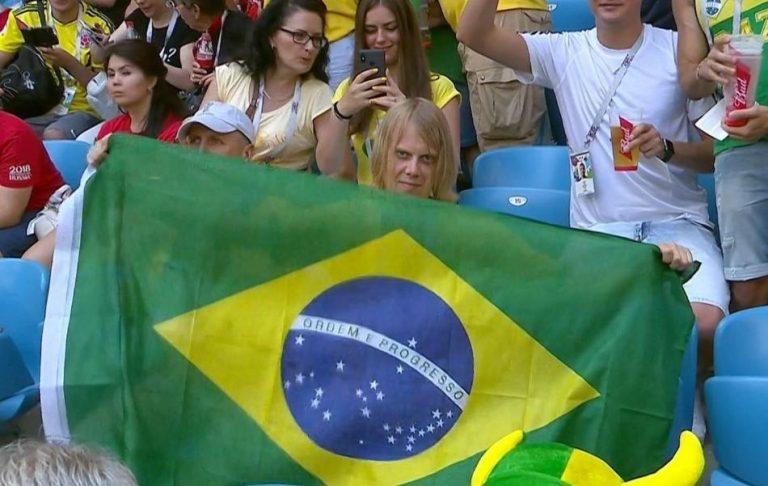 Torcedor misterioso do Brasil viraliza na internet