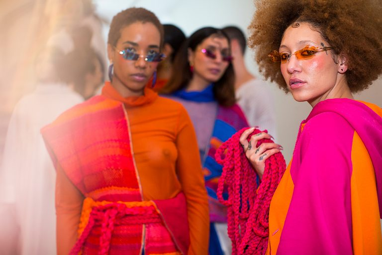 Moda grunge e urbana marcam o primeiro dia de desfiles da Casa de Criadores