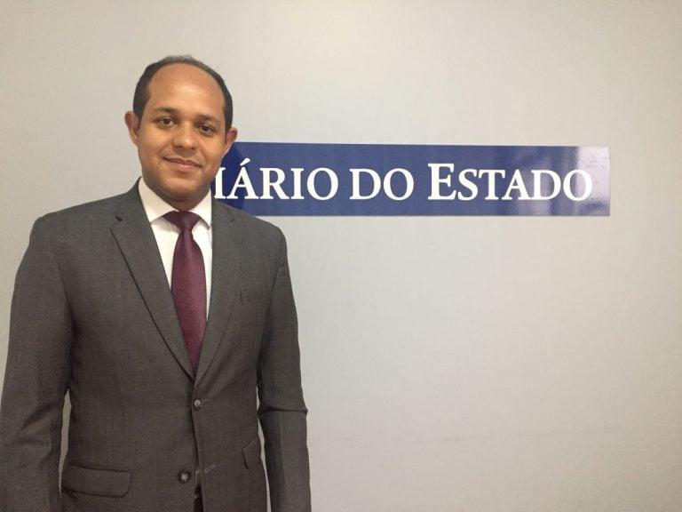 Confira dicas para concurso público com professor Carlos André