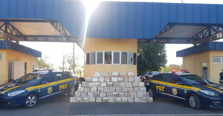 PRF apreende 1,1 tonelada de maconha no Distrito Federal