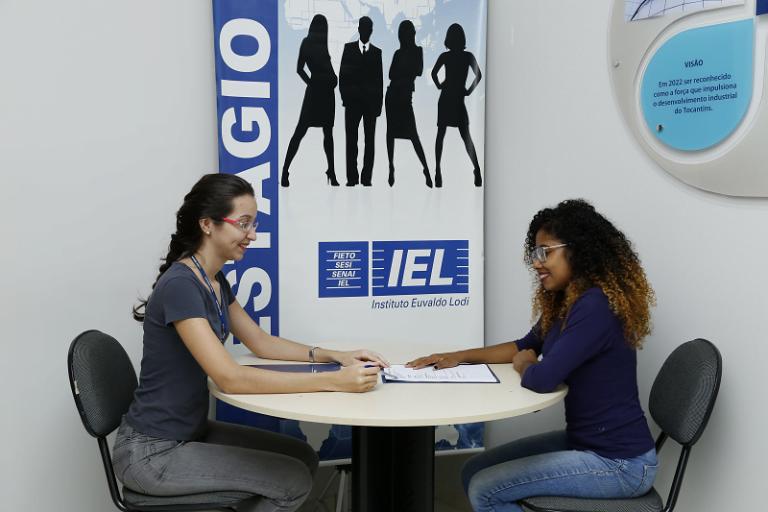 IEL em ação oferece mais de 600 vagas de estágio