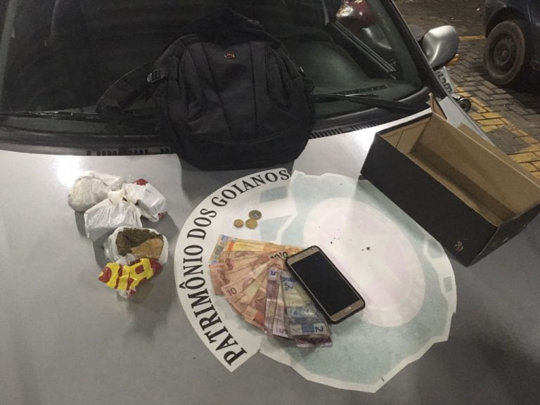 PM prende duas pessoas com drogas no Residencial Monte Pascoal