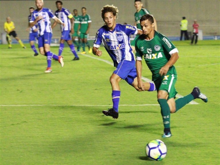 Goiás vai para confronto direto com o Avaí