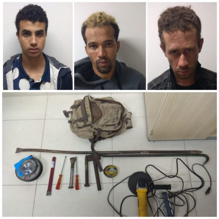 Polícia prende trio arrombando cofres em uma agência dos Correios, em Goiânia