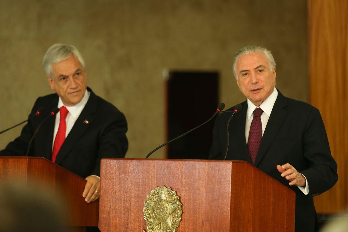 O presidente do Chile, Sebastián Piñera, e o presidente Michel Temer durante declaração à imprensa, no Palácio do Planalto. / Foto: José Cruz / Agência Brasil.