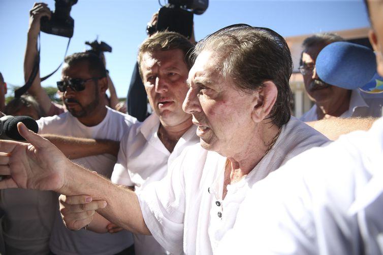 O médium João de Deus chega à Casa Dom Inácio Loyola,, em Abadiânia. Foto: Marcelo Camargo. / Agência-Brasil.