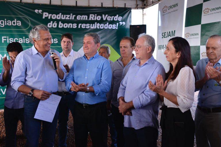 Caiado visita obras de multinacional em Rio Verde