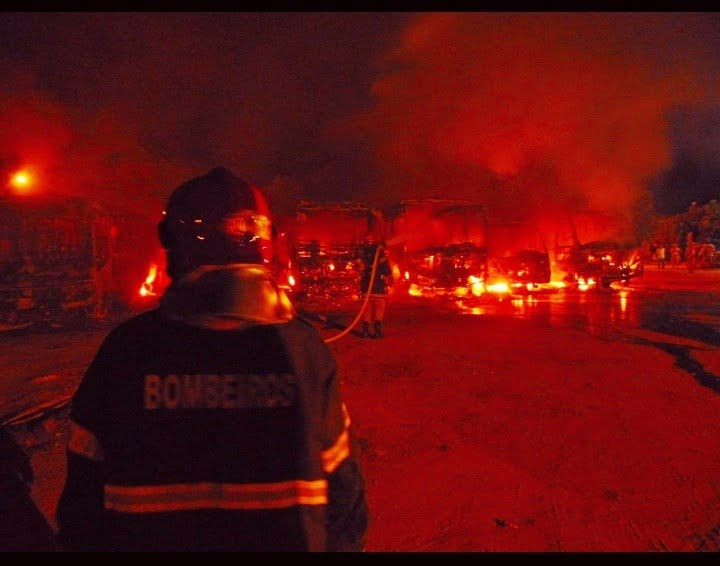 Polícia prende cinco pessoas por incêndio em Secretaria de Obras, em Aragarças
