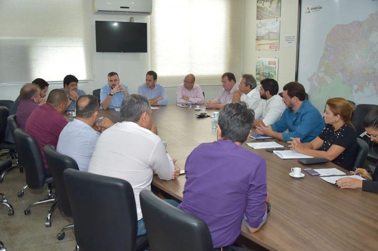 Prefeitura e empreendedores discutem criação de pólo aeronáutico em Aparecida