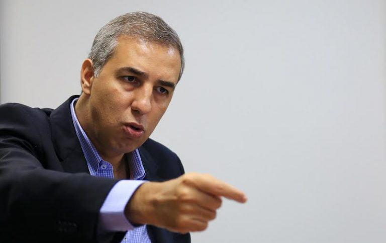 Saneago seria privatizada com vitória de José Eliton