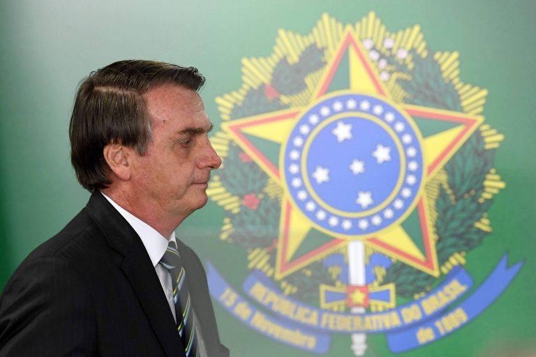 Bolsonaro deve cair após reforma da Previdência, diz senador