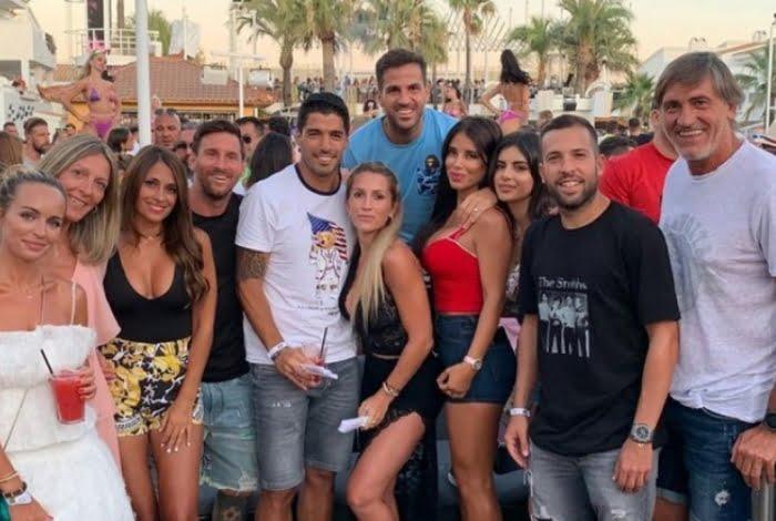 Messi se envolve em confusão em boate