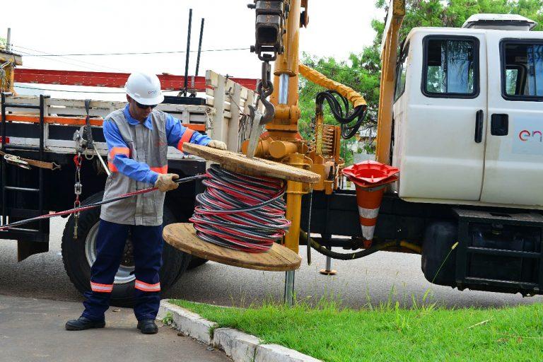 Enel anuncia novo plano para aumentar capacidade da rede de energia, em Goiás