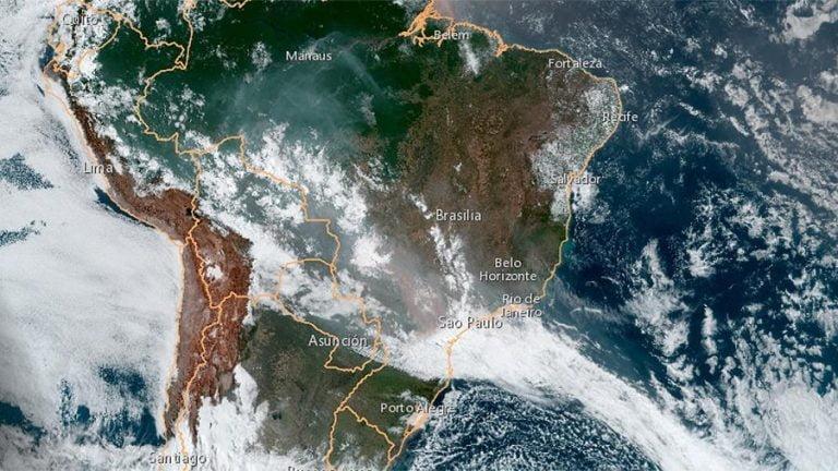 Fogo na Amazônia: corredor de fumaça se alastram na América do Sul