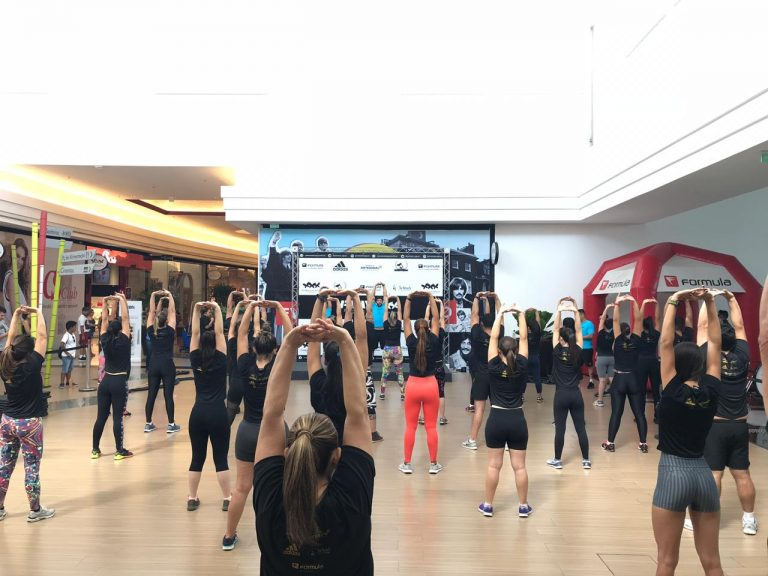 Mega aula de Hiit Dance vai movimentar o Shopping Passeio das Águas neste sábado, 21