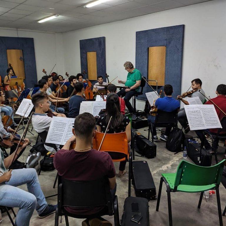 Maestro alemão convidado vai reger concerto no Basileu França
