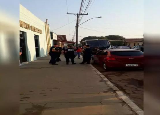 Araguapaz: Operação prende vereadores, secretários e ex-prefeito