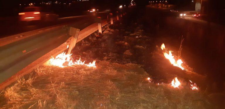 Homem é flagrado ateando fogo às margens da BR-153, em Anápolis