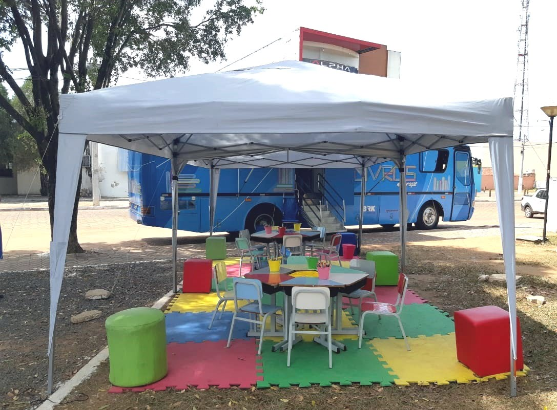 Biblioteca sobre rodas (Foto: Divulgação)