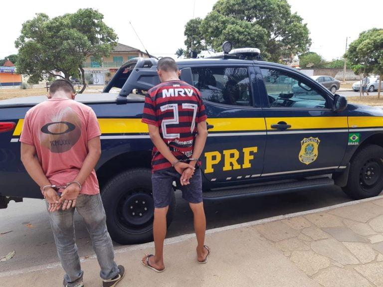 Dupla é detida por roubo de carro