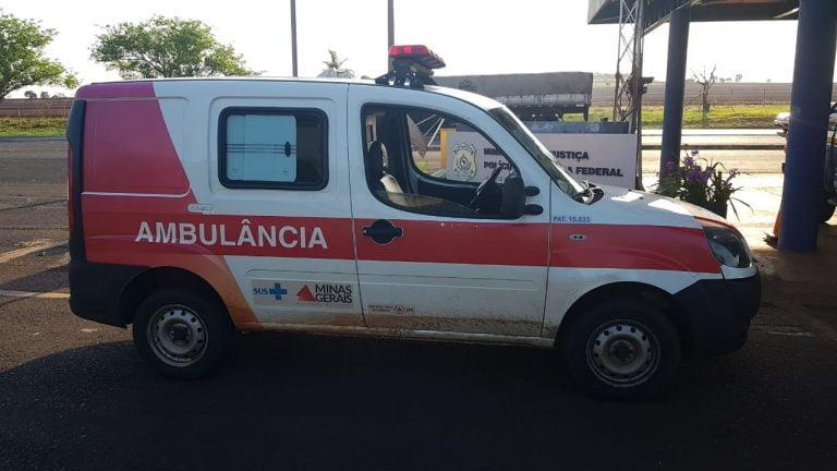 Motorista de ambulância é autuado por embriaguez ao volante na BR-153, em Itumbiara