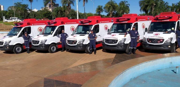 Goiânia entrega 10 novas ambulâncias do Samu