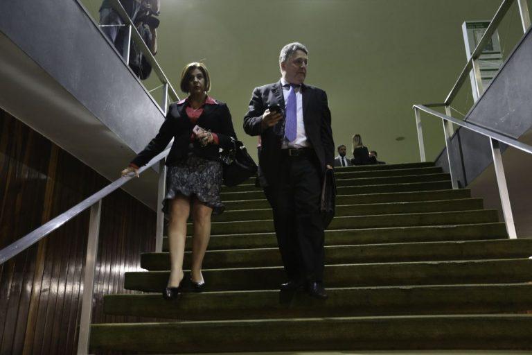 Polícia prende novamente ex-governadores Rosinha e Garotinho