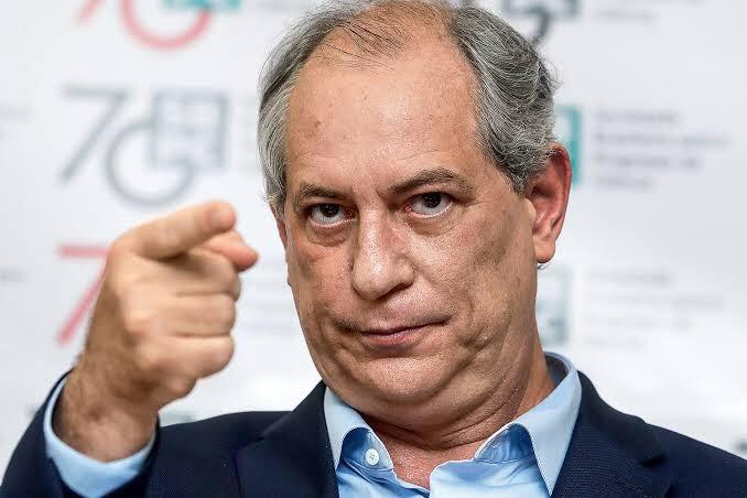 Ciro: Bolsonaro não chega ao final do mandato