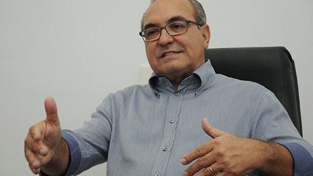Tucanos adesistas sabotaram Jânio Darrot na presidência do PSDB
