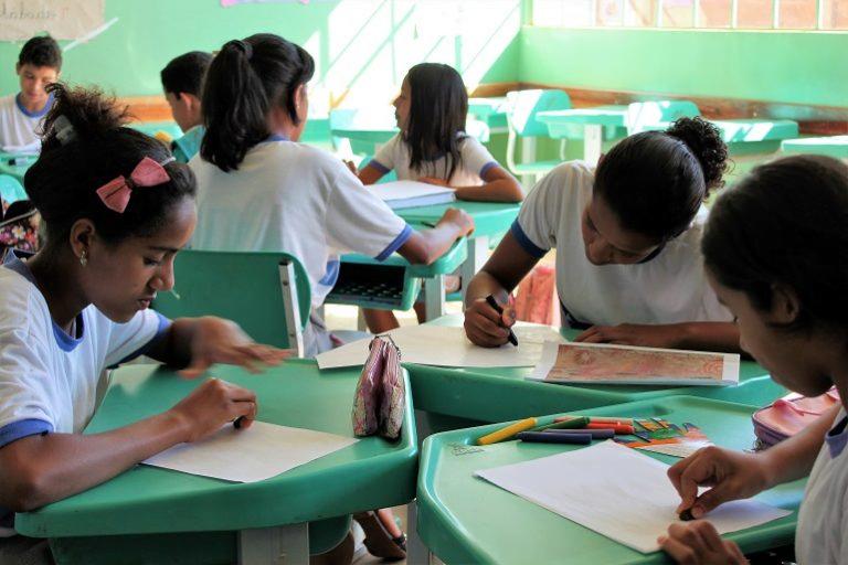 Iris amplia número de escolas de tempo integral